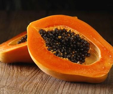 Papaja: Oczyszcza, spowalnia starzenie i chroni przed chorobami