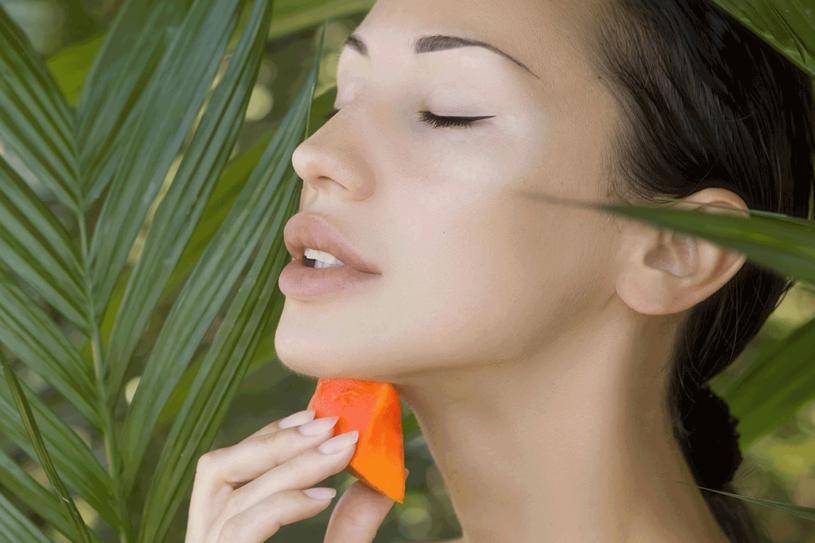Papaja zadziała jak dobry kosmetyk /123RF/PICSEL