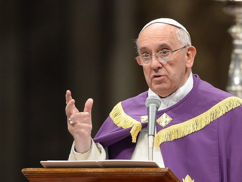 Papież apeluje o włączenie się do akcji Caritasu. /AFP