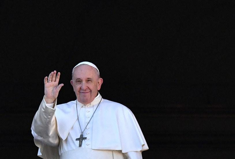 Papież apeluje w świątecznym orędziu o pokój w Syrii, Iraku, na Ukrainie /ALBERTO PIZZOLI /AFP
