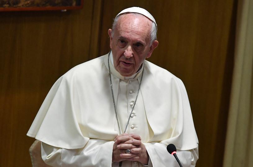 Papież Franciszek apeluje do sprawujących władzę /TIZIANA FABI /AFP