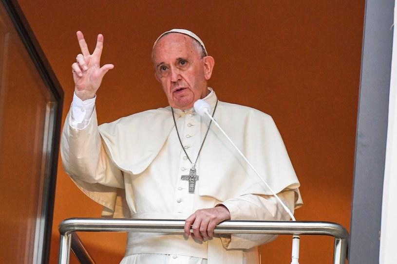 Papież Franciszek gromadził pod oknem papieskim tłumy /Jan Graczyński /East News