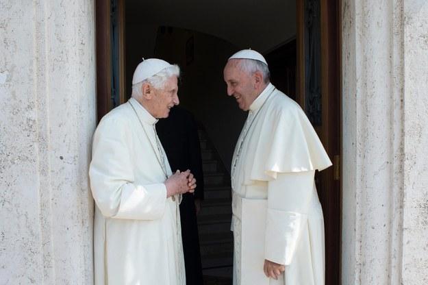 Papież Franciszek i Benedykt XVII /L'OSSERVATORE ROMANO/HANDOUT /PAP/EPA