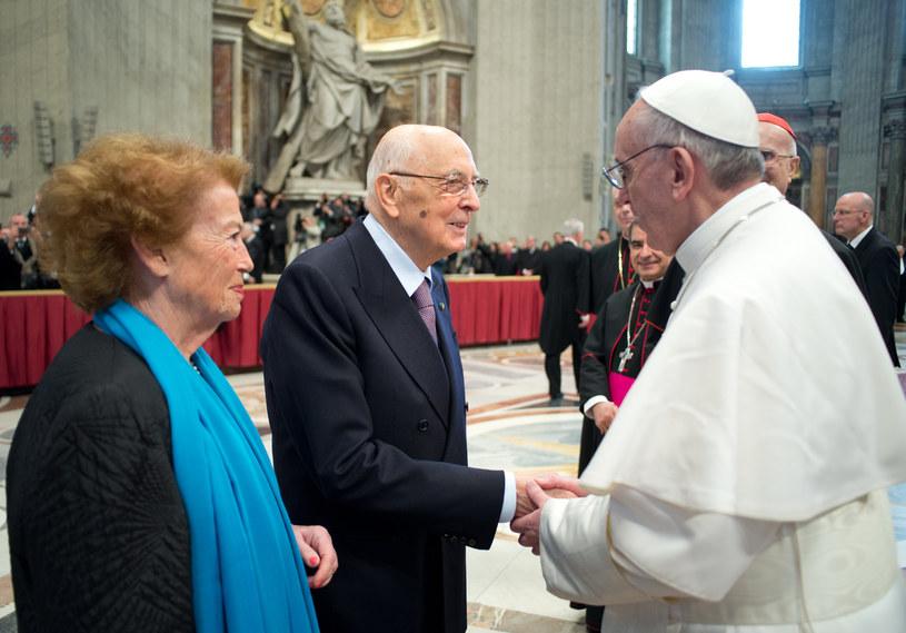 Papież Franciszek i Giorgio Napolitano z żoną /AFP
