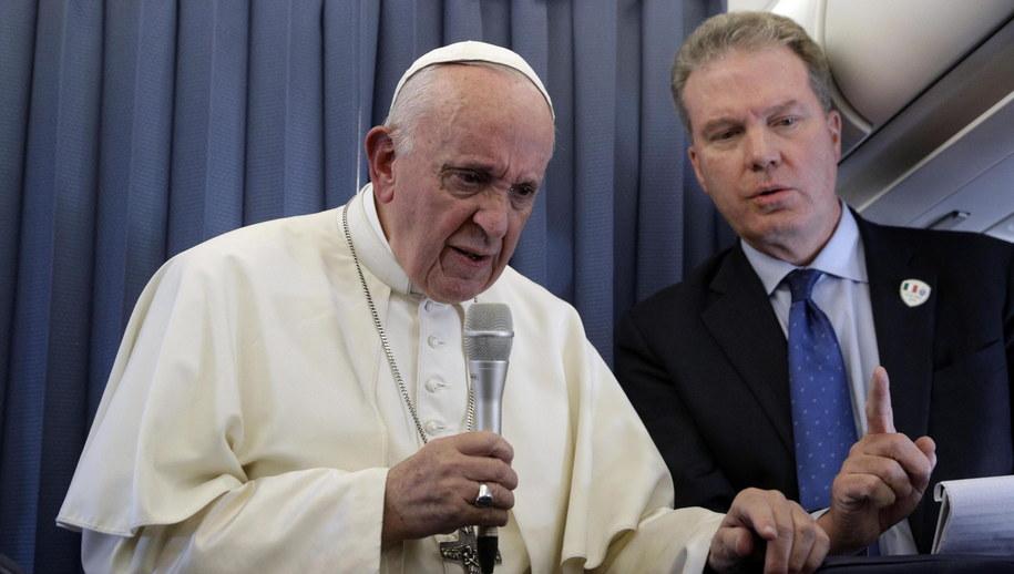 Papież Franciszek i Greg Burke /GREGORIO BORGIA / POOL /PAP/EPA