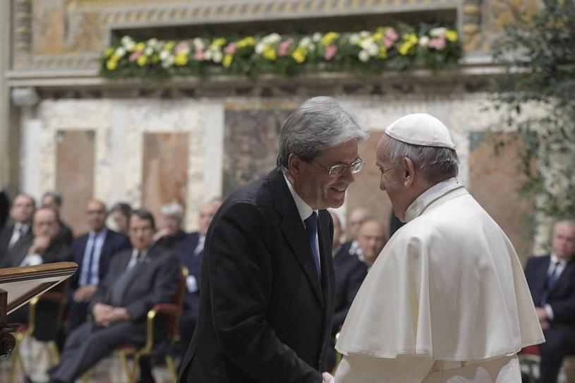 Papież Franciszek i premier Włoch Paolo Gentiloni /PAP/EPA