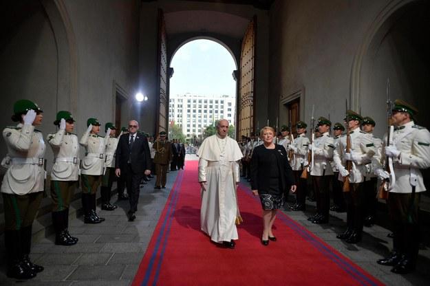 Papież Franciszek i prezydent Chile Michelle Bachelet /OSSERVATORE ROMANO / HANDOUT /PAP/EPA