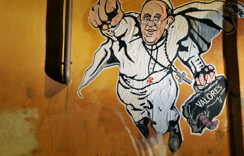 Papież Franciszek jako Superman. /AFP