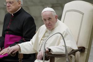 Papież Franciszek: Modlę się, aby wiele krajów przyjęło Afgańczyków