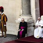 Papież Franciszek o biskupach: nie mogą puszyć się jak pawie