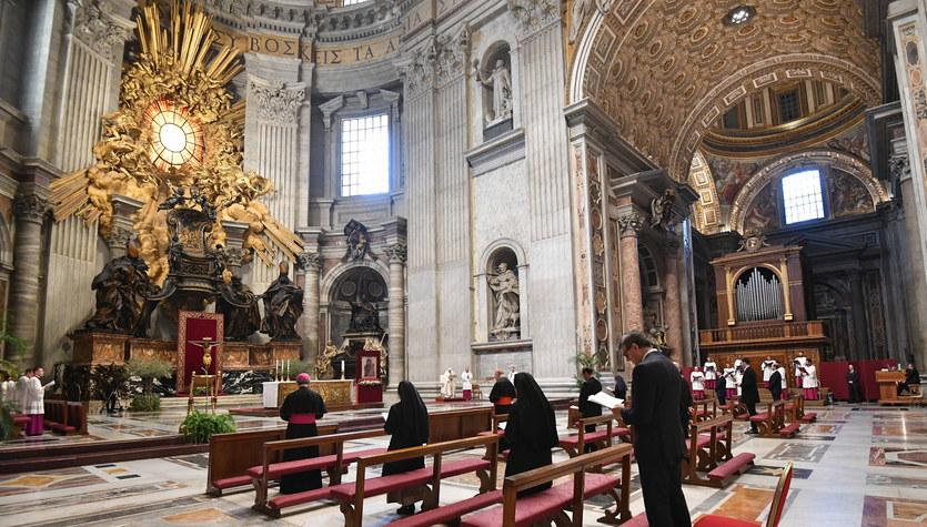 Papież Franciszek odprawił w Wielki Czwartek Mszę Wieczerzy Pańskie w pustej bazylice
