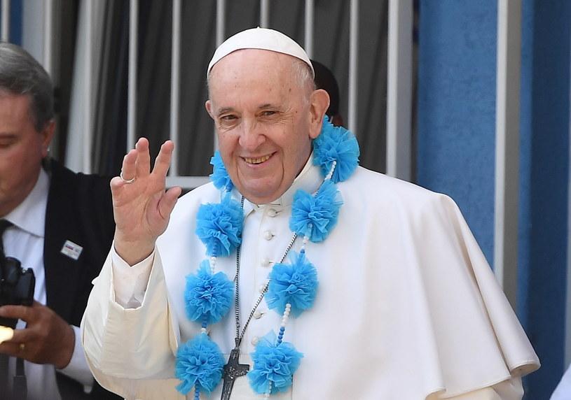 Papież Franciszek odwiedził ośrodek pomocy prowadzony przez Misjonarki Miłości /PAP/EPA/LUCA ZENNARO /PAP