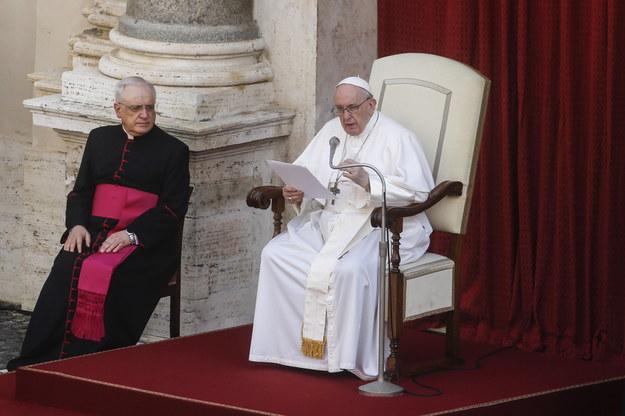 Papież Franciszek podczas audiencji generalnej /Fabio Frustaci /PAP/EPA