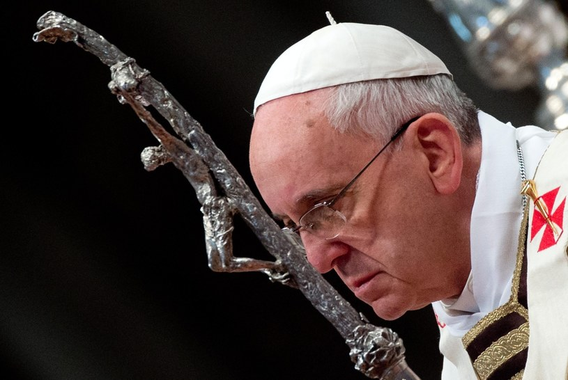 Papież Franciszek podczas mszy Krzyżma Świętego w Wielki Czwartek. /CLAUDIO PERI /PAP/EPA