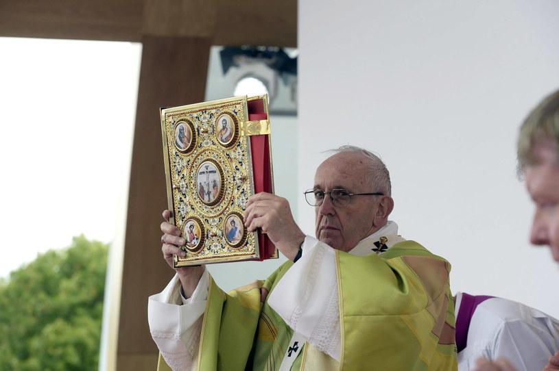 Papież Franciszek podczas mszy w Dublinie /VATICAN MEDIA HANDOUT /PAP/EPA