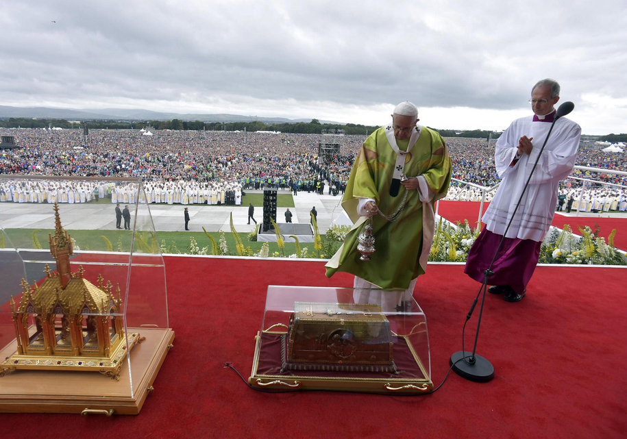 Papież Franciszek podczas mszy /VATICAN MEDIA HANDOUT /PAP/EPA