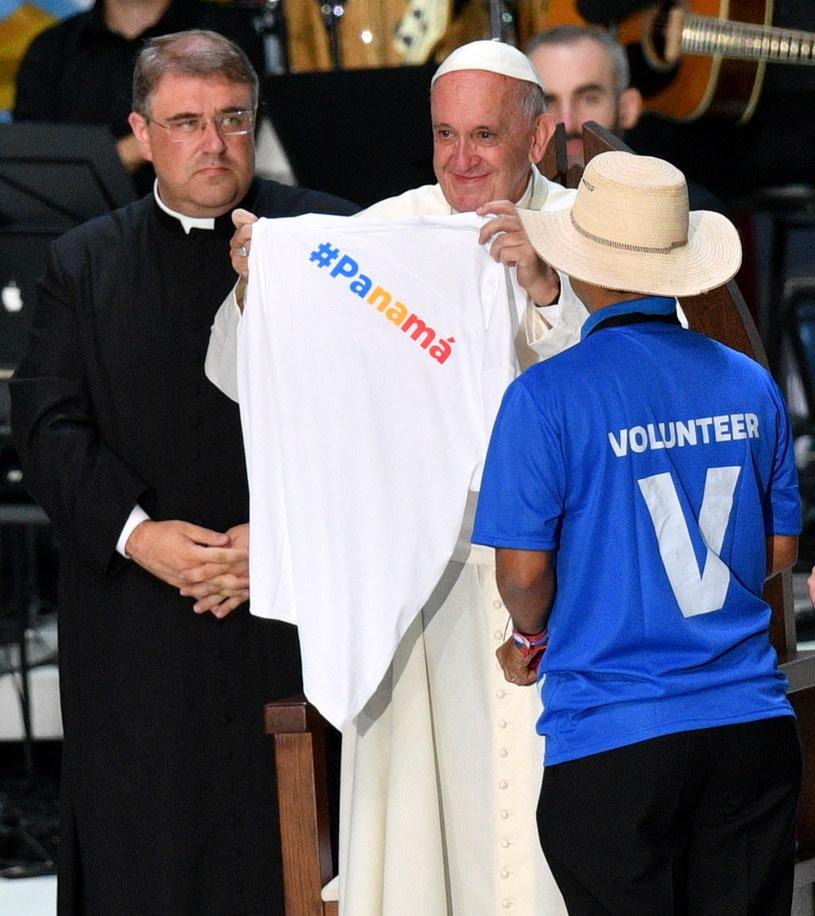 Papież Franciszek podczas spotkania z wolontariuszami w Tauron Arenie /Maciej Kulczyński /PAP