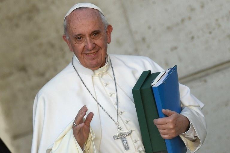 Papież Franciszek podczas synodu o rodzinie /ANDREAS SOLARO / AFP /AFP