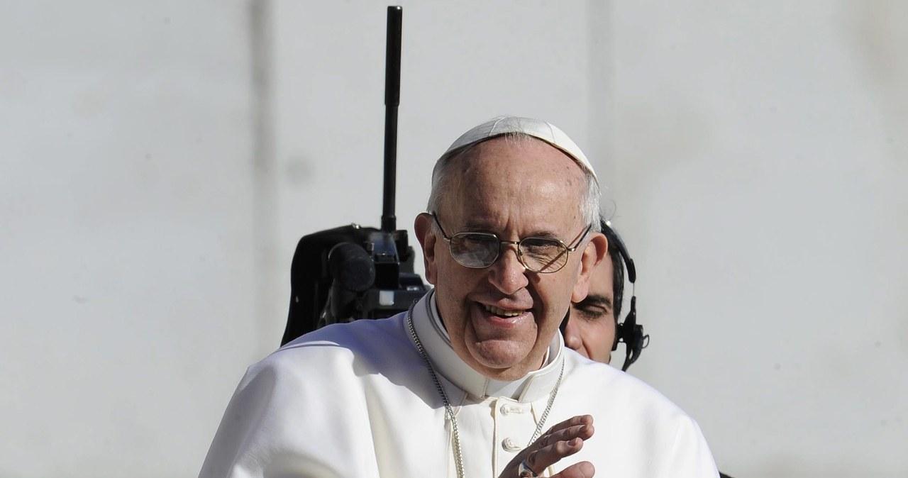 Papież Franciszek powitał wiernych na placu Świętego Piotra