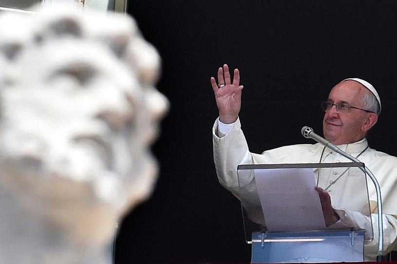 Papież Franciszek próbuje oczyścić Bank Watykański /AFP