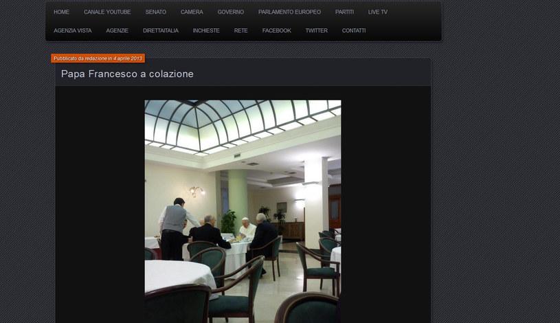 Papież Franciszek przy śniadaniu /parlamentonews.com /