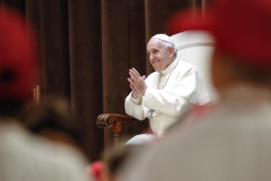 Papież Franciszek robi wiele, by wyjaśnić skandale w Kościele katolickim /GIUSEPPE LAMI /PAP/EPA
