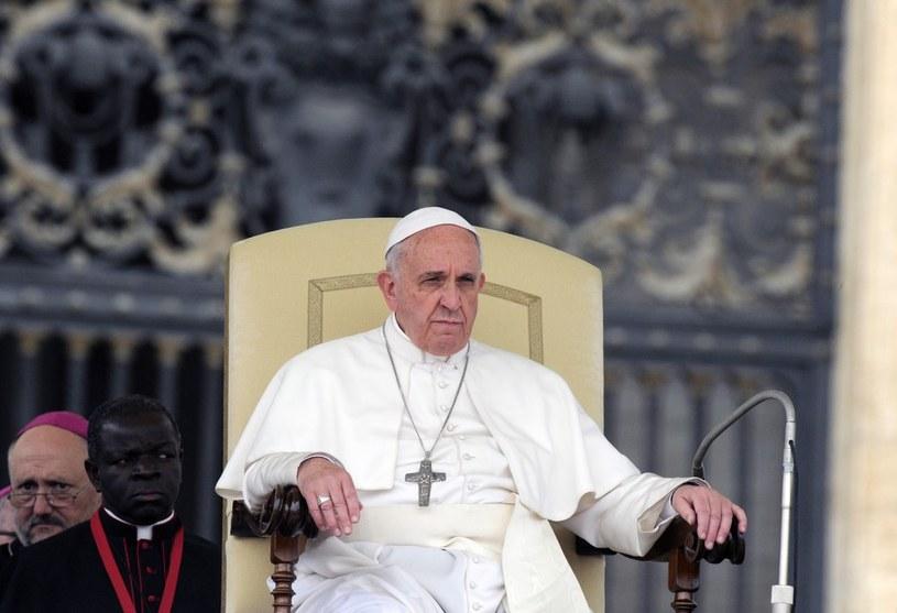 Papież Franciszek upomina się o prześladowanych chrześcijan /Wojtek Laski /East News