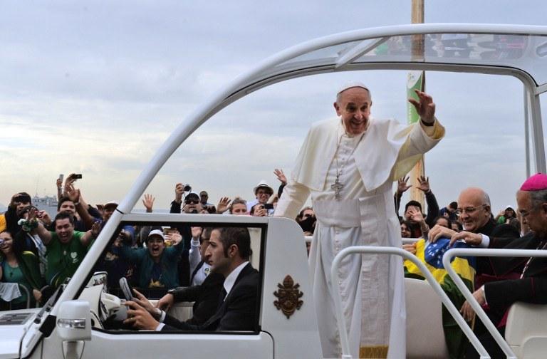 Papież Franciszek w Brazylii w czasie Światowych Dni Młodzieży w 2013 roku /EVARISTO SA /AFP