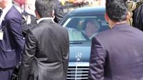 Papież Franciszek w Iraku. Kawalkada samochodów i tłumy przy drodze
