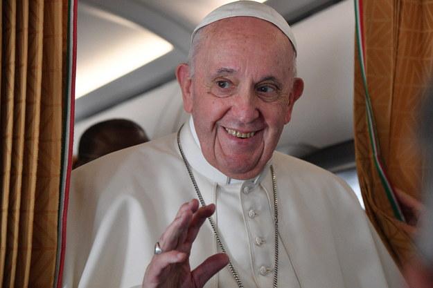 Papież Franciszek, wracający z podróży /IZIANA FABI / POOL /PAP/EPA
