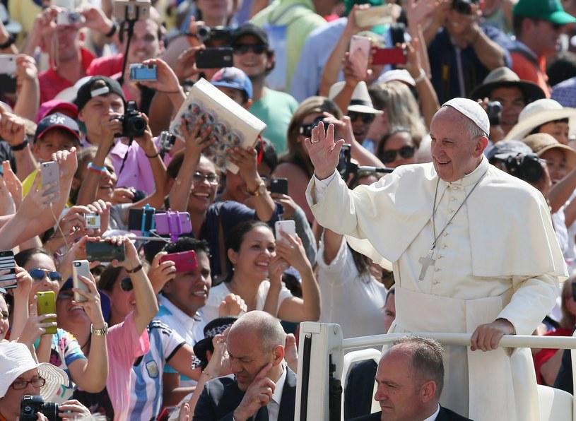 Papież Franciszek wśród młodzieży /Grzegorz Galazka /East News