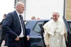Papież Franciszek z wizytą u kardynała Franciszka Macharskiego
