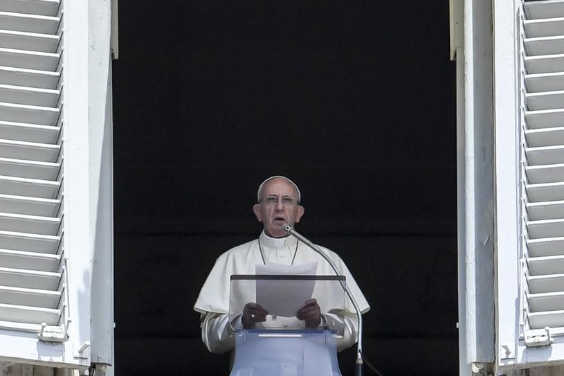 Papiez Franciszek zaapelował do uczestników szczytu G20 /ANDREAS SOLARO / AFP /AFP