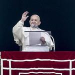 Papież Franciszek zmaga się z przeziębieniem. Odwołał udział w rekolekcjach wielkopostnych