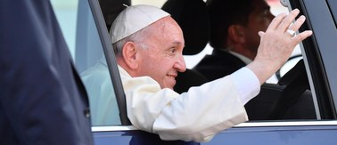 Papież Franciszek został zmuszony do zmiany planów. Odwołano jedną z wizyt