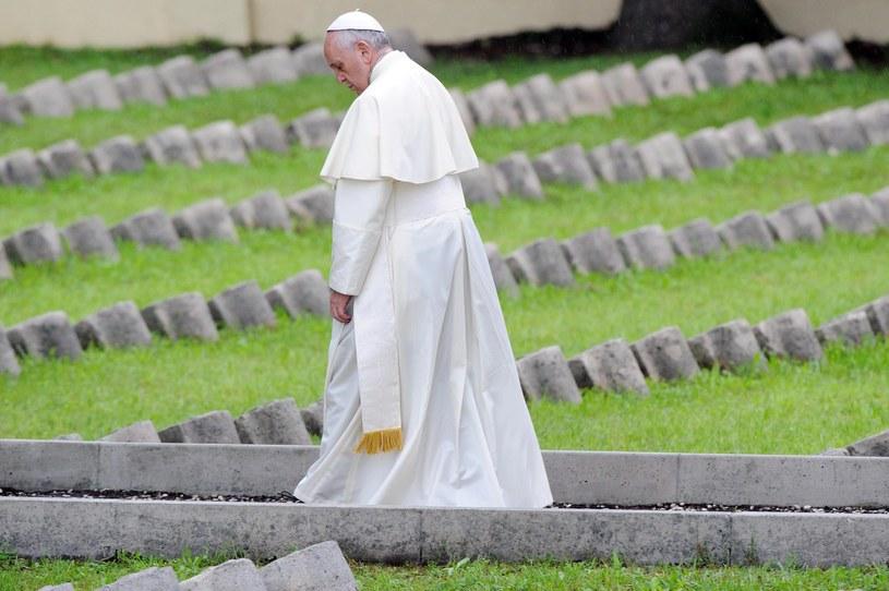 Papież Franciszek /DANIEL DAL ZENNARO  /EPA