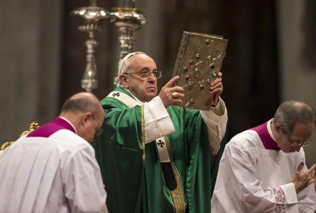 Papież Franciszek /PAP/EPA/MASSIMO PERCOSSI /PAP/EPA