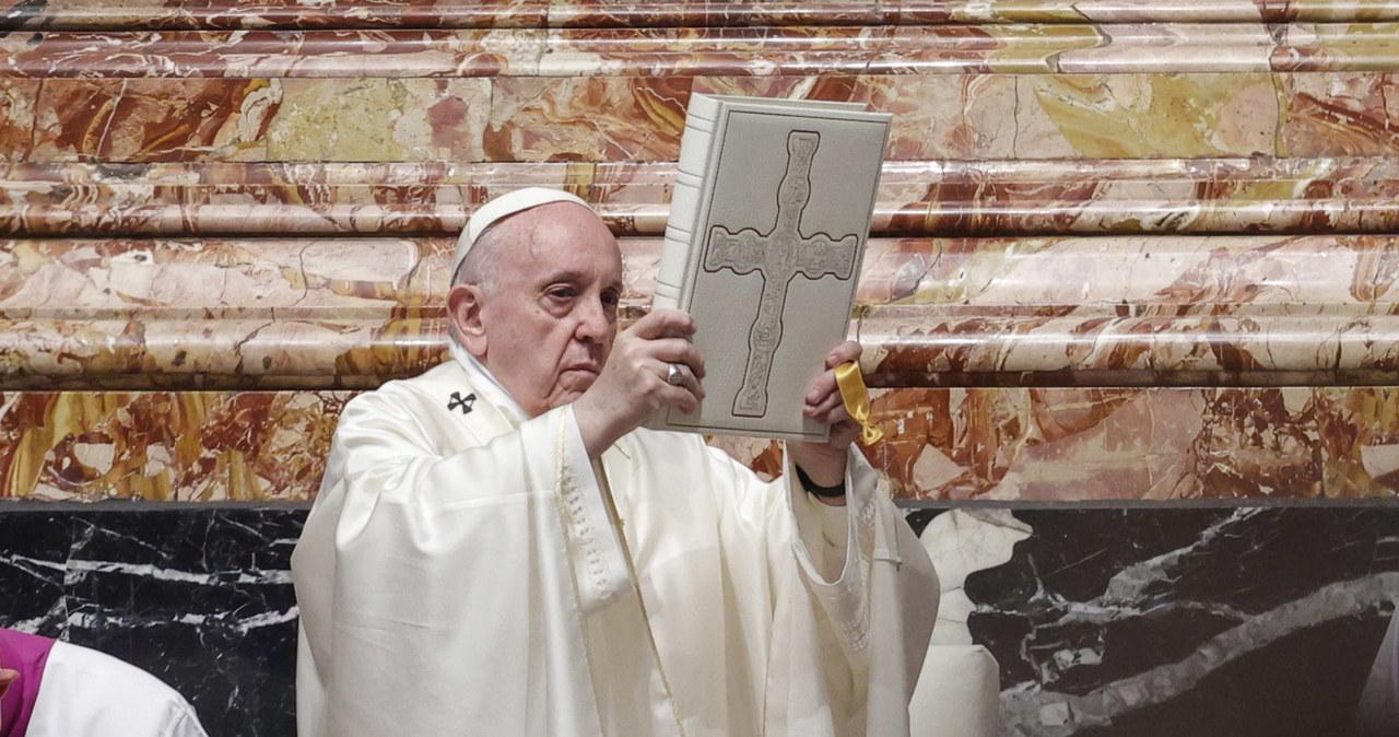 Papież: Kościół musi być dużą salą – nie małym i zamkniętym kręgiem