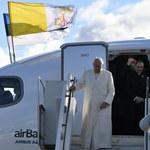 Papież: Młodzież oburzona skandalami nie uważa Kościoła za partnera rozmowy