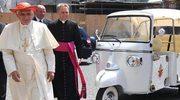 """""""Papież nie ubiera się u Prady"""""""