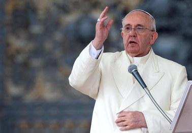 Papież: Nieudane małżeństwa? Nie potępiajcie ich