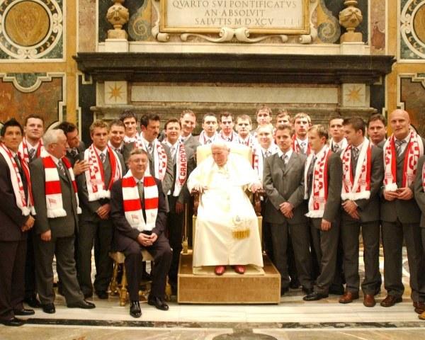 Papież od dawna kibicuje Cracovii (kliknij, aby powiększyć) /INTERIA.PL