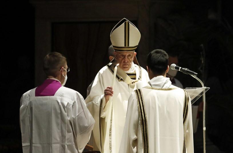 Papież odprawił mszę w Bazylice św. Piotra /REMO CASILLI / POOL / AFP /PAP/EPA
