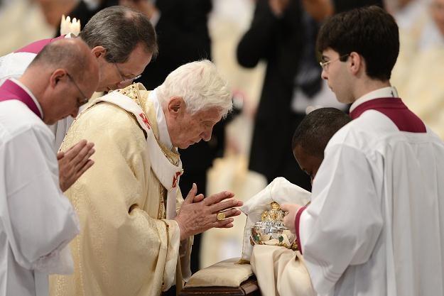 Papież podczas mszy Krzyżma /AFP