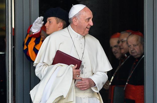 Papież powołał dwie instytucje ds. finansów Watykanu i bank centralny /AFP