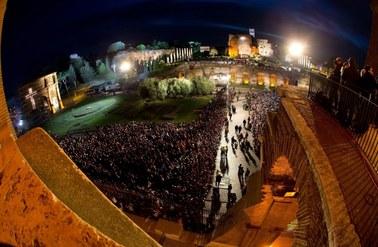 Papież przewodniczył Drodze Krzyżowej w Koloseum