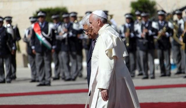 Papież przybył do Ziemi Świętej /ALAA BADARNEH  /PAP/EPA