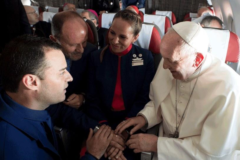 Papież udzielił ślubu na pokładzie samolotu /Agencja FORUM
