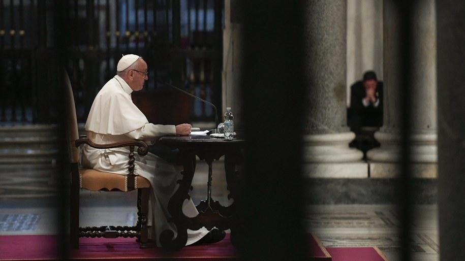 Papież ustala zasady usuwania biskupów za zaniedbania ws. przypadków pedofilii /OSSERVATORE ROMANO / HANDOUT /PAP/EPA