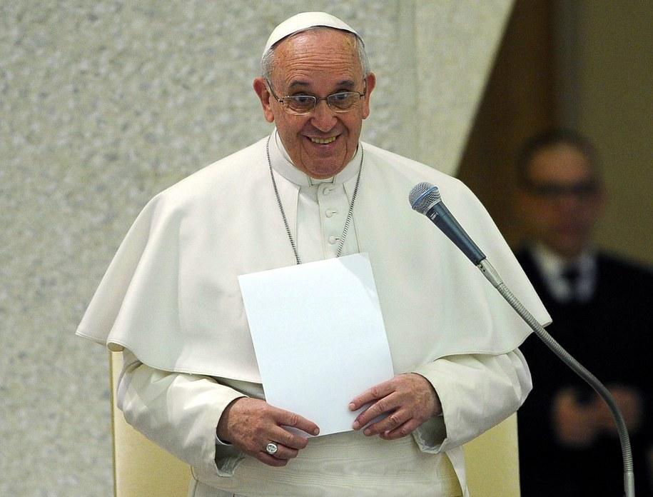 Papież wyznał, że chciałby nierozpoznany iść do pizzerii /GIORGIO ONORATI /PAP/EPA